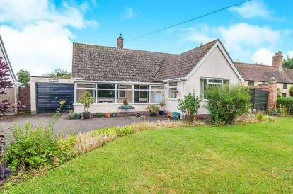 3 Bedrooms Bungalow for sale in The Green, Conington, Peterborough, Cambridgeshire