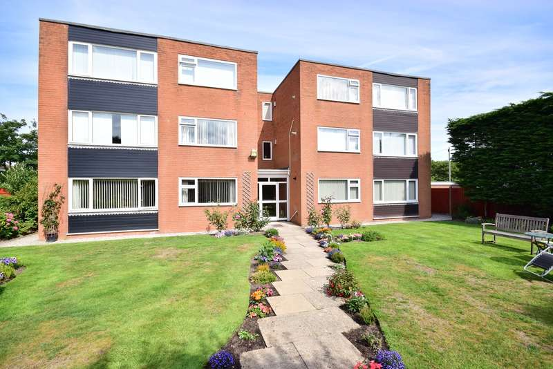 2 Bedrooms Apartment Flat for sale in Fellborough Lodge, 195 St Annes Road East, LYTHAM ST ANNES, FY8