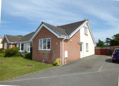 4 Bedrooms Bungalow for sale in Garth Y Felin, Valley, Holyhead, Sir Ynys Mon, LL65