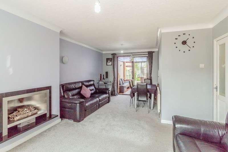 3 Bedrooms Semi Detached House for sale in Quebec Road, Blackburn, Lancashire BB2
