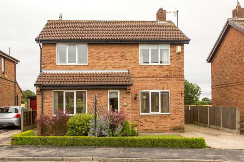 4 Bedrooms Detached House for sale in Moat Way, Brayton, Selby, YO8