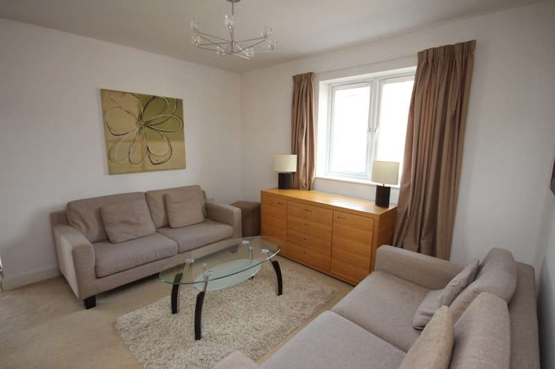 2 Bedrooms Apartment Flat for sale in Denham Road, Egham, Surrey, TW20