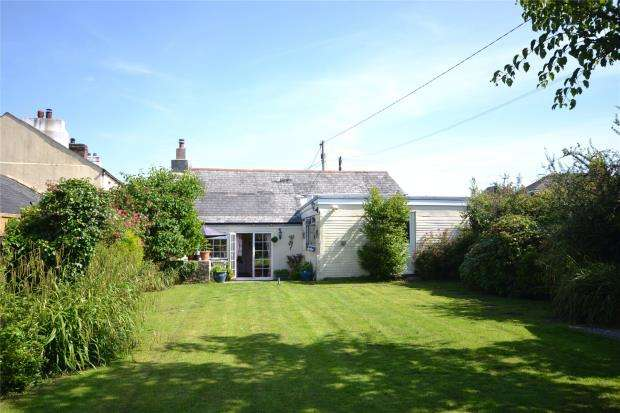 3 Bedrooms Detached House for sale in Colmers Court, Callington, Cornwall