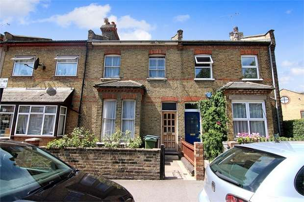 3 Bedrooms Terraced House for sale in Edinburgh Road, Walthamstow, London