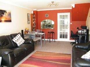 2 Bedrooms Terraced House for sale in Merryhills Close, Biggin Hill, Westerham, Kent