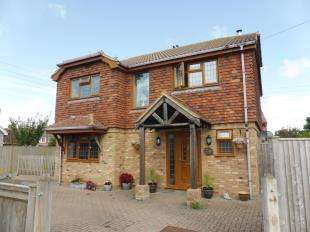 3 Bedrooms Detached House for sale in Walner Gardens, New Romney, Kent, .