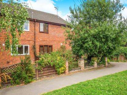 3 Bedrooms Semi Detached House for sale in Sutton, Norwich, Norfolk