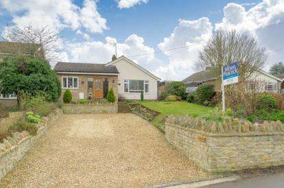 3 Bedrooms Bungalow for sale in Grange Road, Felmersham, Bedford, Bedfordshire