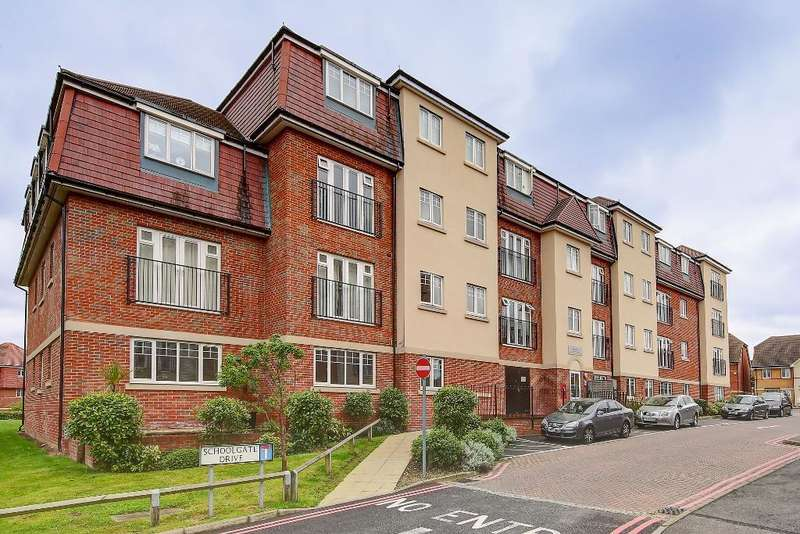 2 Bedrooms Flat for sale in Schoolgate Drive, Morden, SM4 5DJ