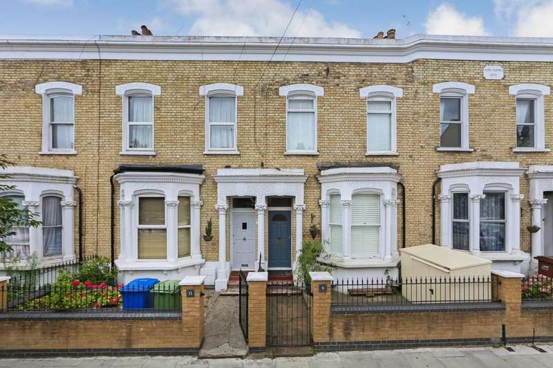2 Bedrooms Flat for sale in Astbury Road, London SE15