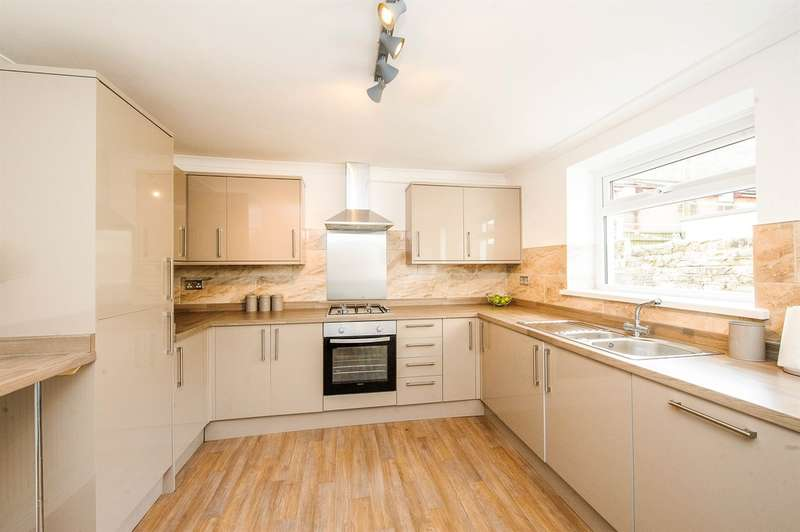 4 Bedrooms Terraced House for sale in Miskin Street, Treherbert, Treorchy