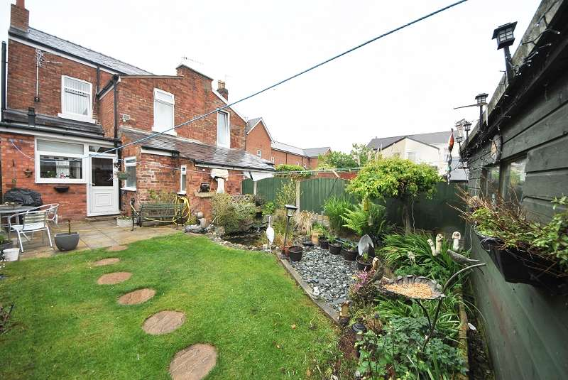 3 Bedrooms Semi Detached House for sale in Hampton Road, Southport. PR8 5DL
