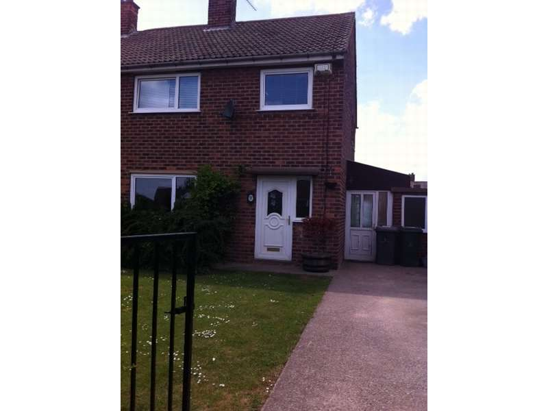 3 Bedrooms Semi Detached House for sale in Whinside Crescent, Thurnscoe, Rotherham, South Yorkshire. S63 0PL