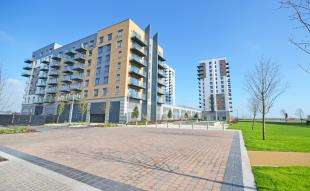 1 Bedroom Flat for sale in Peninsula Quays, Pearl Lane, Gillingham, Kent