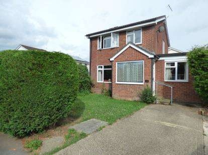 3 Bedrooms Detached House for sale in Ringwood, Hampshire
