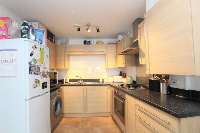 2 Bedrooms Apartment Flat for sale in Aurora Court, Gravesend