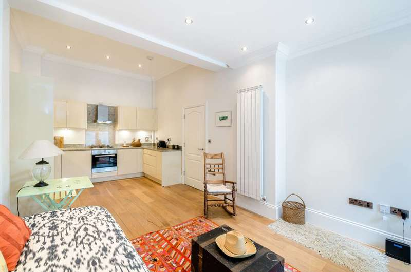 1 Bedroom Flat for sale in Brecknock Road, Tufnell Park, N7