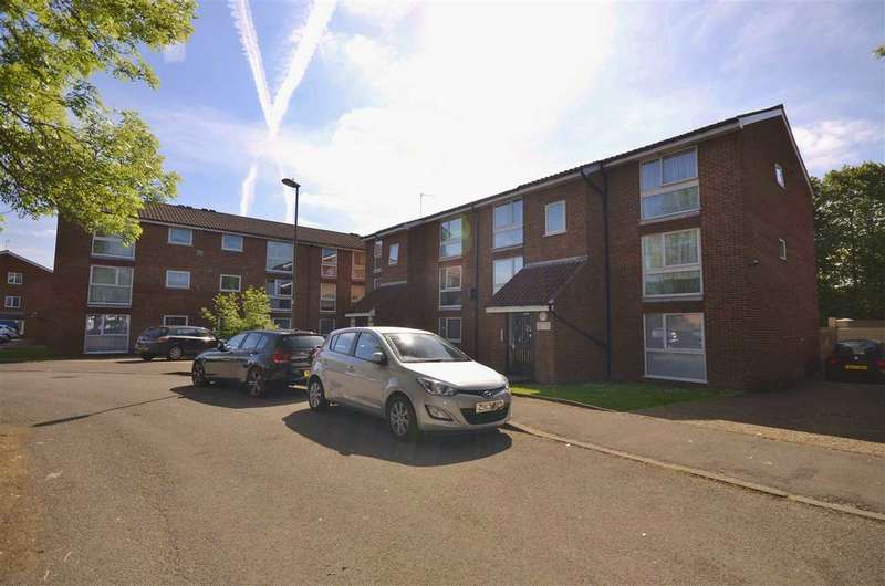 1 Bedroom Apartment Flat for sale in Larch Close, London