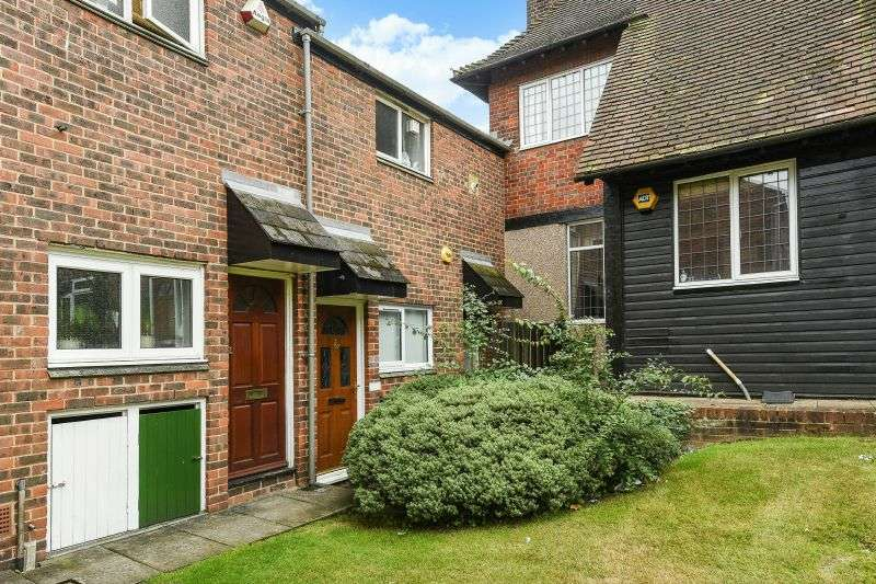 1 Bedroom Flat for sale in Thirlmere Gardens, Northwood