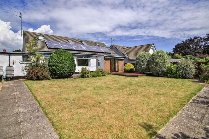 4 Bedrooms Detached Bungalow for sale in Greenway Close, Llandough, Penarth