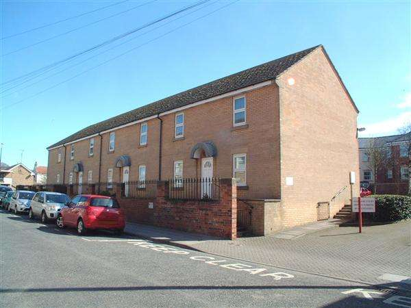2 Bedrooms Apartment Flat for sale in Sledmere Court, Filey