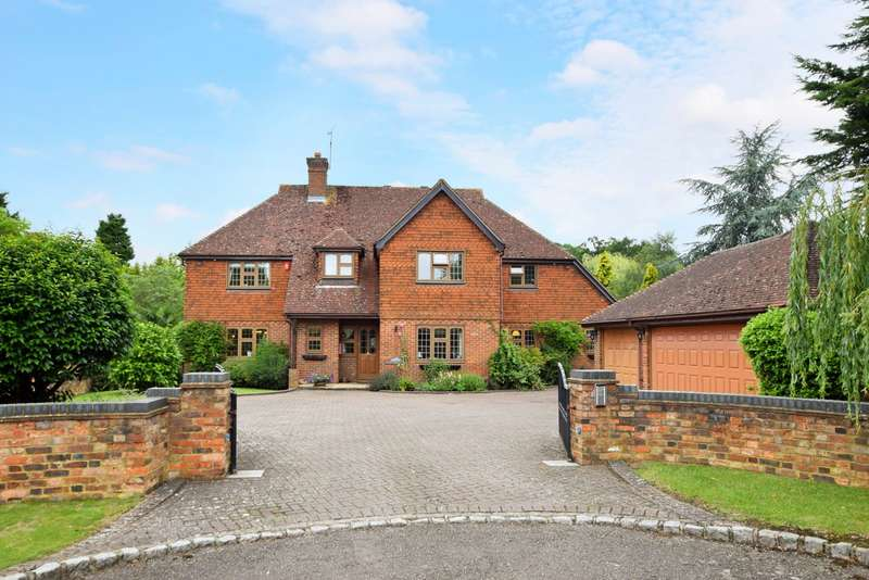 5 Bedrooms Detached House for sale in Nightingale Park, Farnham Common, SL2