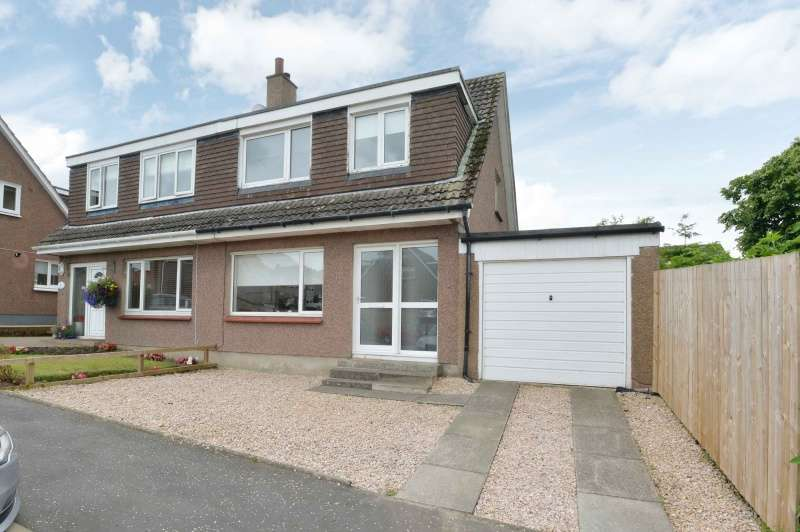 3 Bedrooms Semi-detached Villa House for sale in Petershill Gardens, Bathgate, West Lothian, EH48 4DS