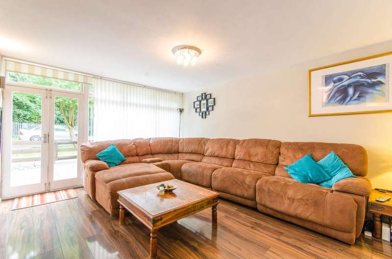 2 Bedrooms Flat for sale in Finchley Park, North Finchley, N12