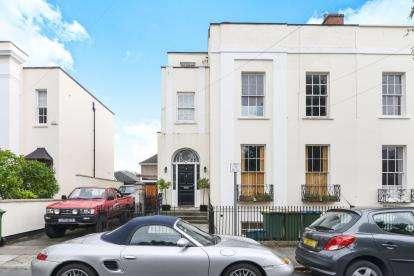 1 Bedroom Flat for sale in Priory Street, Cheltenham, Gloucestershire, Cheltenham