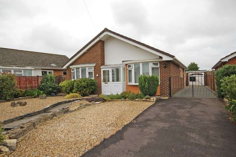 3 Bedrooms Detached Bungalow for sale in Pinewood Road, Hordle, Lymington