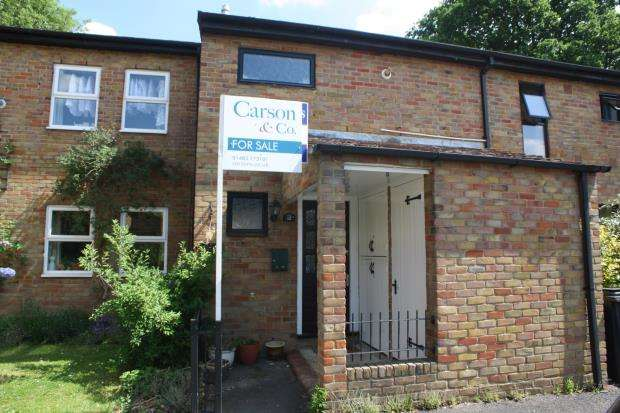 4 Bedrooms Terraced House for sale in Knaphill, Woking, Surrey