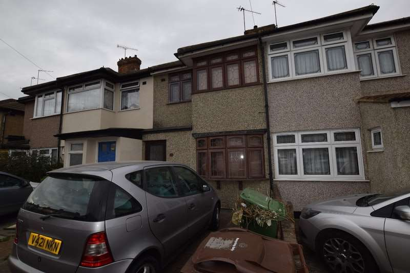 3 Bedrooms Terraced House for sale in Third avenue, Dagenham, Essex, RM10