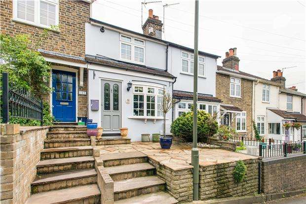 2 Bedrooms Terraced House for sale in Worlds End Lane, ORPINGTON, Kent, BR6