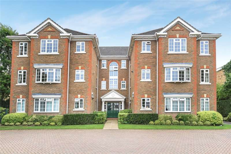 2 Bedrooms Apartment Flat for sale in Admirals Court, Eastbury Avenue, Northwood, Middlesex, HA6