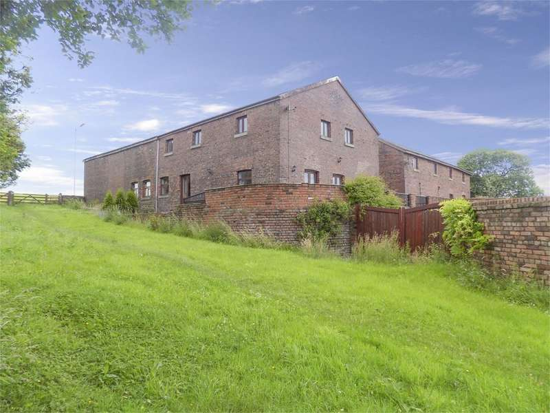 4 Bedrooms Mews House for sale in Plodder Lane, Over Hulton, Bolton, BL5