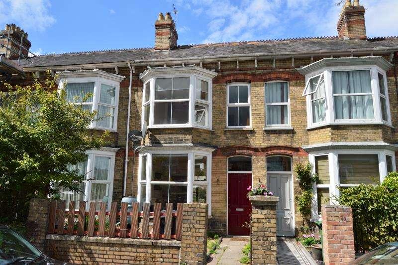 4 Bedrooms Terraced House for sale in Malvern Terrace, Taunton, Somerset, TA2 7PN