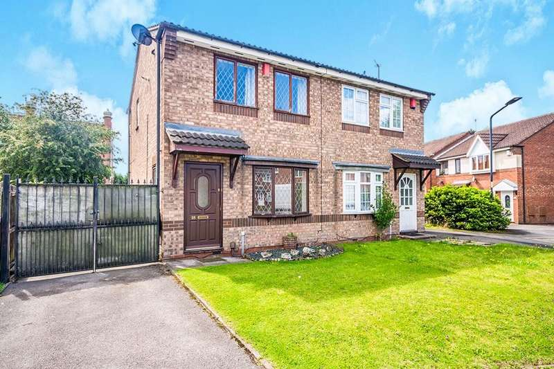 2 Bedrooms Semi Detached House for sale in Ravensbourne Grove, Willenhall, WV13
