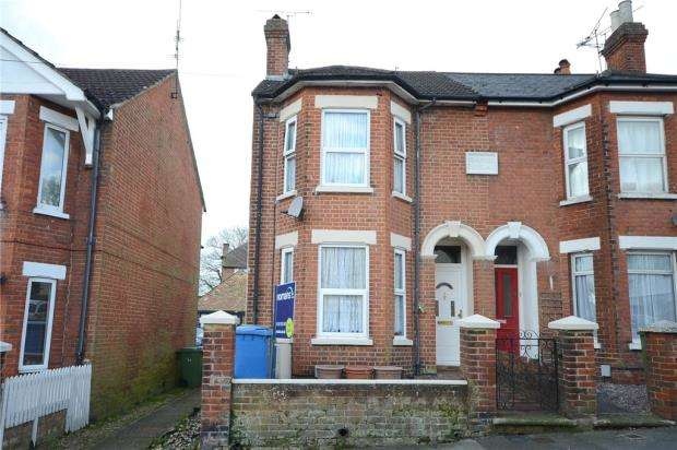 3 Bedrooms Semi Detached House for sale in Sandford Road, Aldershot, Hampshire