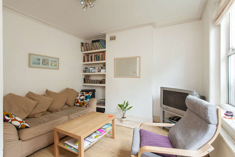 2 Bedrooms Ground Flat for sale in Coldharbour Lane, London, SE5