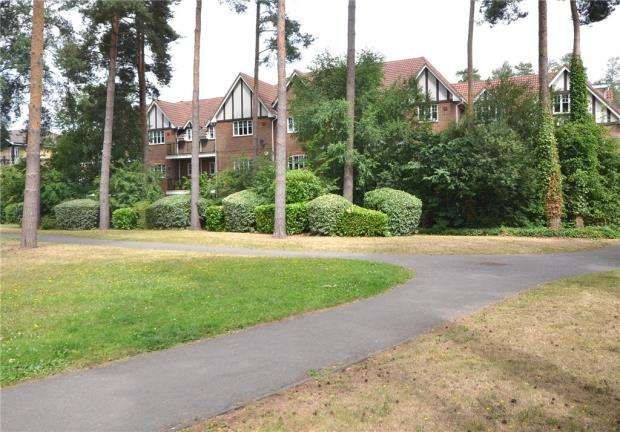 2 Bedrooms Apartment Flat for sale in Rotherwick House, Ramsdell Road, Elvetham Heath