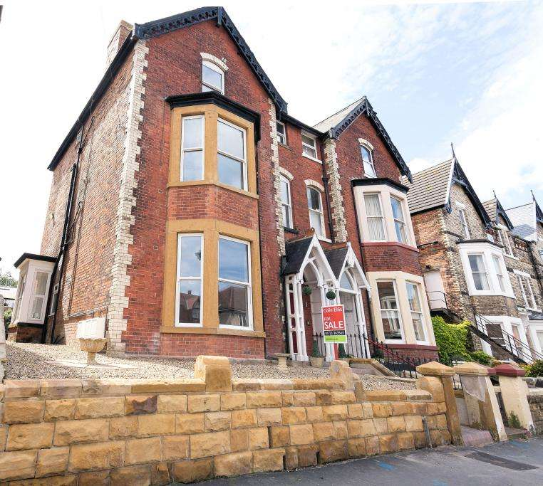 2 Bedrooms Apartment Flat for sale in West Street, Scarborough, north Yorkshire YO11 2QR