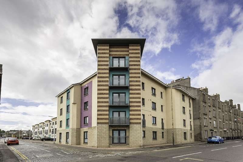 2 Bedrooms Flat for sale in Milton Street, Dundee, Angus, DD3 6QQ