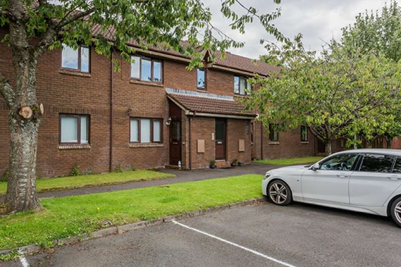 2 Bedrooms Flat for sale in Woodmill, Kilwinning, KA13 7PT