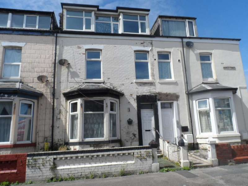 8 Bedrooms Property for sale in 26, Blackpool, FY1 3HD