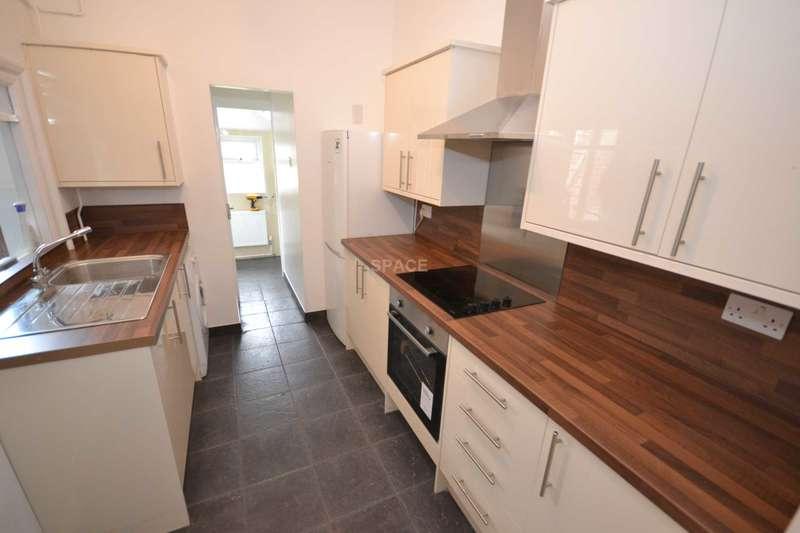 4 Bedrooms Terraced House for rent in Essex Street, Reading, Berkshire, RG2 0EH