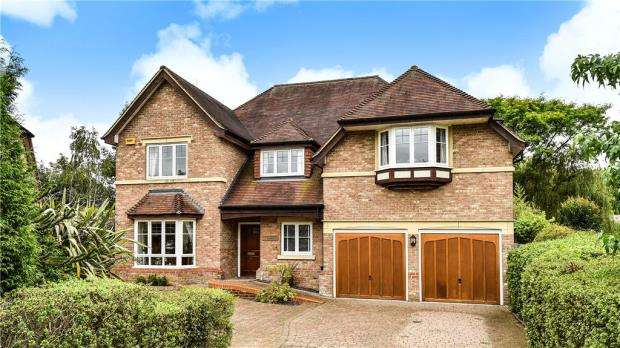 6 Bedrooms Detached House for sale in Chapel Lane, Bagshot, Surrey