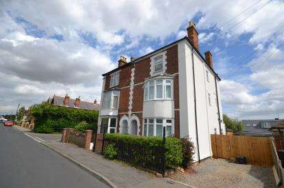 5 Bedrooms Semi Detached House for sale in Burnham On Crouch, Essex, Uk