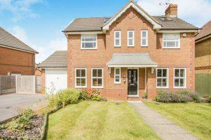 3 Bedrooms Detached House for sale in Wych Elm Road, Oadby, Leicester, Leicestershire