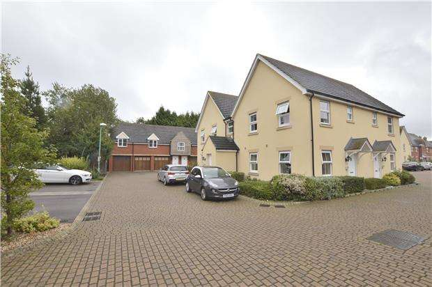 1 Bedroom Flat for sale in Appleyard Close, Uckington, CHELTENHAM, Gloucestershire, GL51 9FF