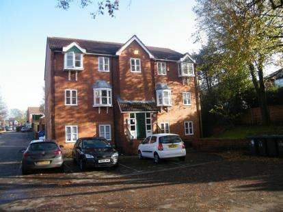 2 Bedrooms Flat for sale in Torrisdale Close, Deane, Bolton, Greater Manchester, BL3